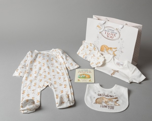 'Guess How Much I Love' Baby Boys and Girls 5 Pieces Set  PACK OF 4